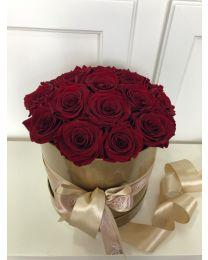Aranjament in cutie cu trandafiri criogenizati